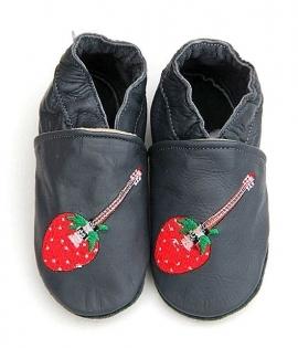 Chaussons en cuir petite fraise.